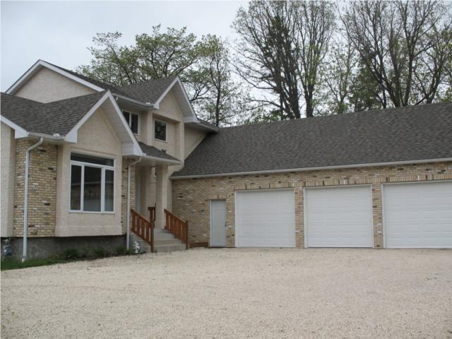 Main Photo: 316 Turnbull Drive in WINNIPEG: Fort Garry / Whyte Ridge / St Norbert Residential for sale (South Winnipeg)  : MLS®# 1008355