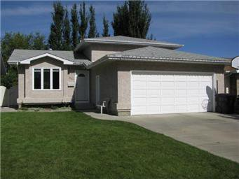 Main Photo: 334 Wedge Road in Saskatoon: Dundonald Single Family Dwelling for sale (Saskatoon Area 05)  : MLS®# 382035