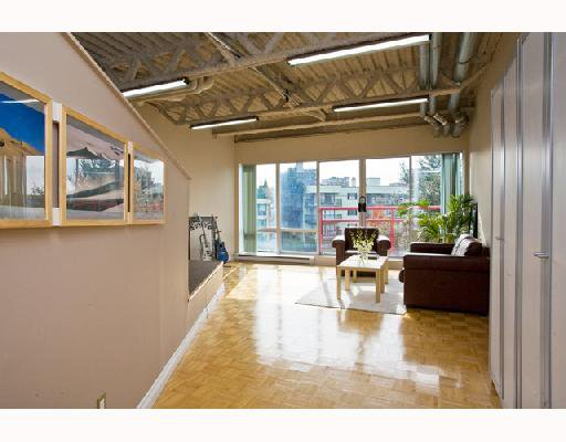 "Photo 2: Photos: 419 350 E 2ND Avenue in Vancouver: Mount Pleasant VE Condo for sale in ""MAIN SPACE"" (Vancouver East)  : MLS®# V739178"