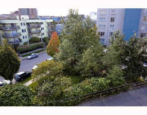 "Photo 12: Photos: 419 350 E 2ND Avenue in Vancouver: Mount Pleasant VE Condo for sale in ""MAIN SPACE"" (Vancouver East)  : MLS®# V739178"