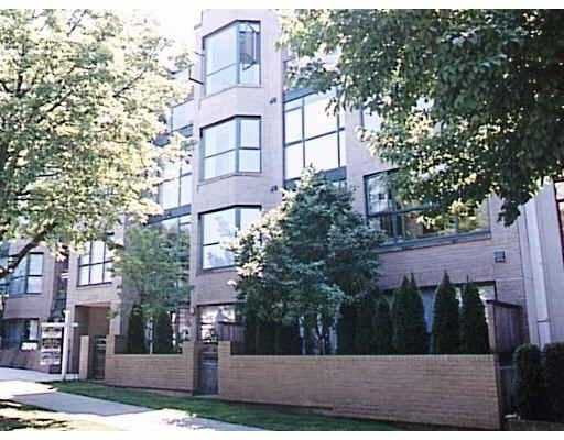 """Main Photo: 203 2130 W 12TH Avenue in Vancouver: Kitsilano Condo for sale in """"ARBUTUS WEST TERRACE"""" (Vancouver West)  : MLS®# V776232"""