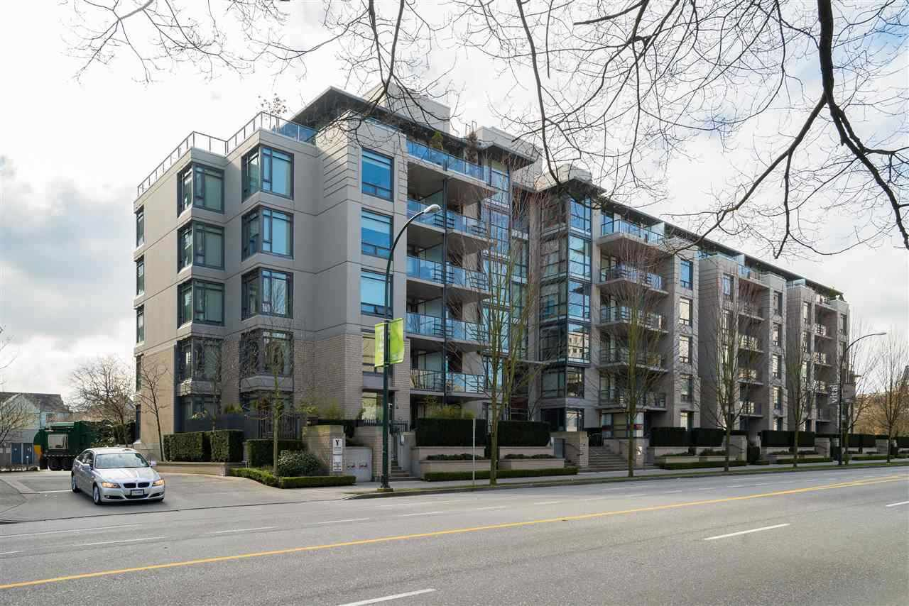 Main Photo: 410 750 W 12TH Avenue in Vancouver: Fairview VW Condo for sale (Vancouver West)  : MLS®# R2441311