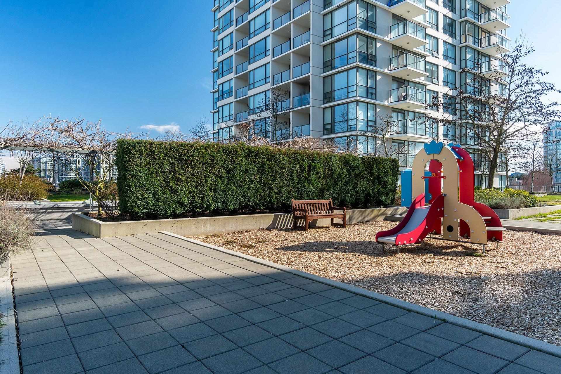 """Photo 33: Photos: 1207 7535 ALDERBRIDGE Way in Richmond: Brighouse Condo for sale in """"OCEAN WALK"""" : MLS®# R2445449"""