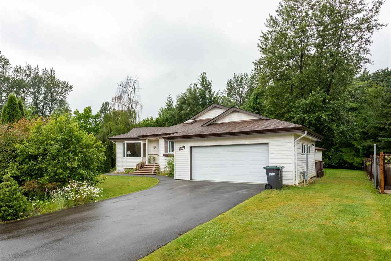 Main Photo: 1032 EDGEWATER Crescent in Squamish: Northyards House for sale : MLS®# R2469851