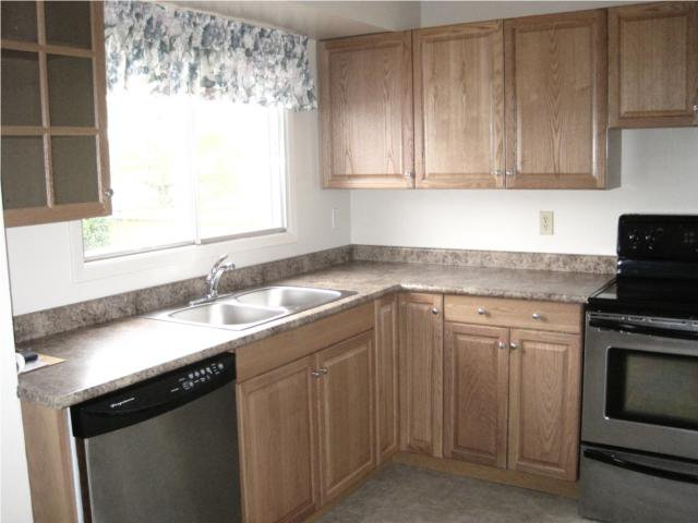 Photo 3: Photos: 10 Kramble Place in WINNIPEG: Transcona Residential for sale (North East Winnipeg)  : MLS®# 1009236