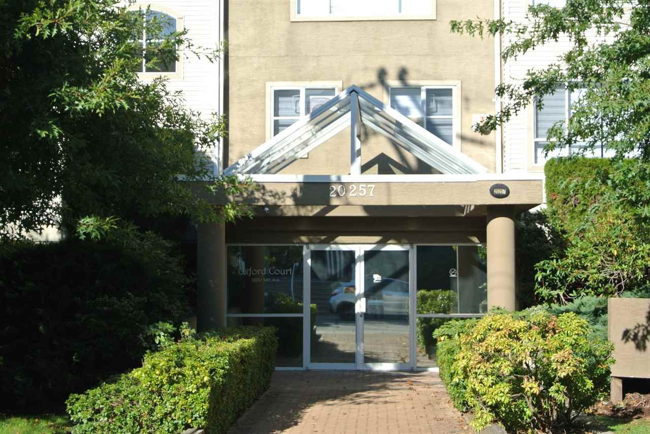 """Main Photo: 102 20257 54 Avenue in Langley: Langley City Condo for sale in """"OXFORD COURT"""" : MLS®# R2412979"""