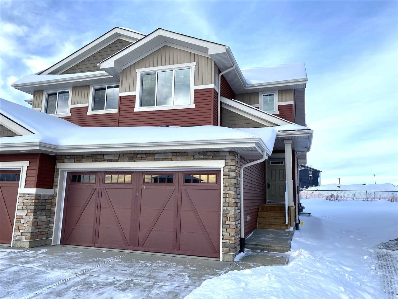Main Photo: 30 JUNEAU WY: St. Albert House Half Duplex for sale : MLS®# E4185074