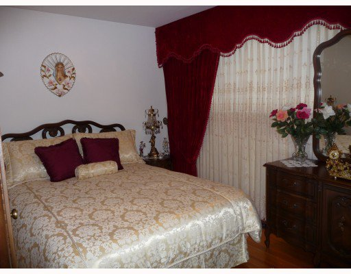 Photo 9: Photos: 1661 E 36TH Avenue in Vancouver: Knight House for sale (Vancouver East)  : MLS®# V782560