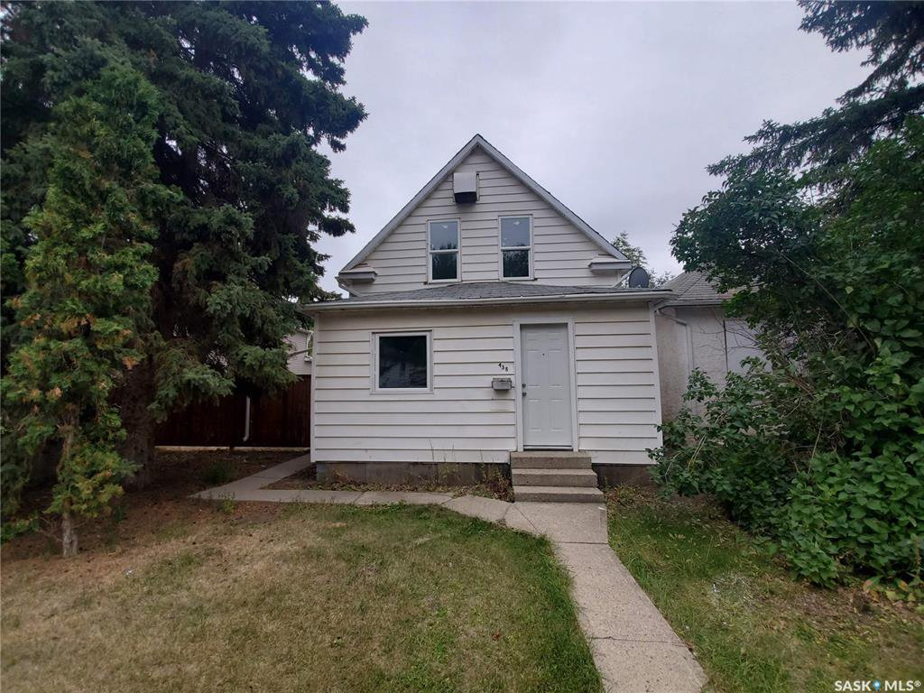 Main Photo: 438 S Avenue South in Saskatoon: Pleasant Hill Residential for sale : MLS®# SK826926