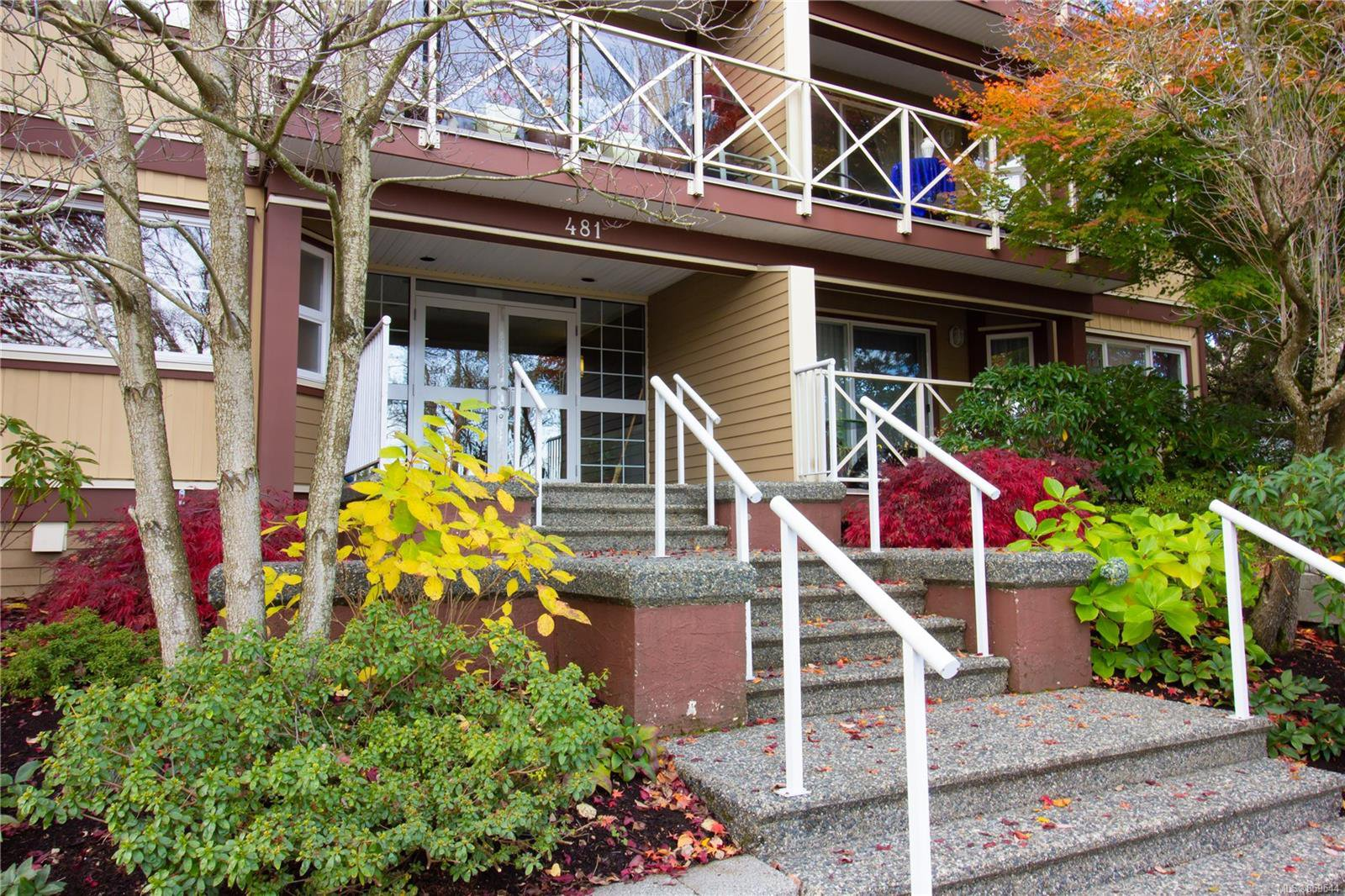 Main Photo: 403 481 Kennedy St in : Na Old City Condo for sale (Nanaimo)  : MLS®# 859544
