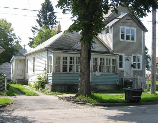 Main Photo: 450 BURROWS Avenue in WINNIPEG: North End Residential for sale (North West Winnipeg)  : MLS®# 2918593