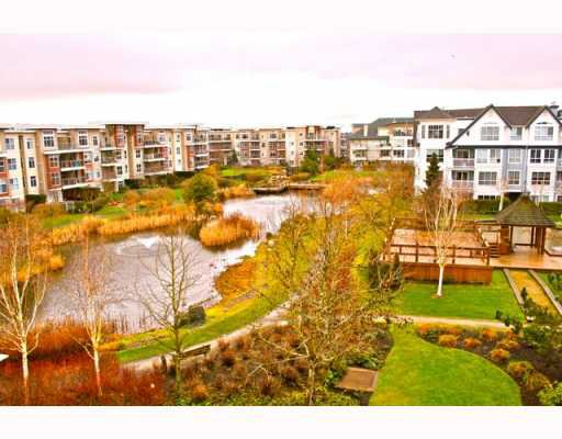 Photo 10: Photos: 409 12639 NO 2 Road in Richmond: Steveston South Condo for sale : MLS®# V811659