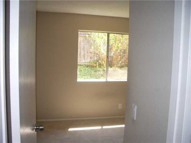 Photo 5: Photos: SAN MARCOS House for sale : 3 bedrooms : 514 Barnett