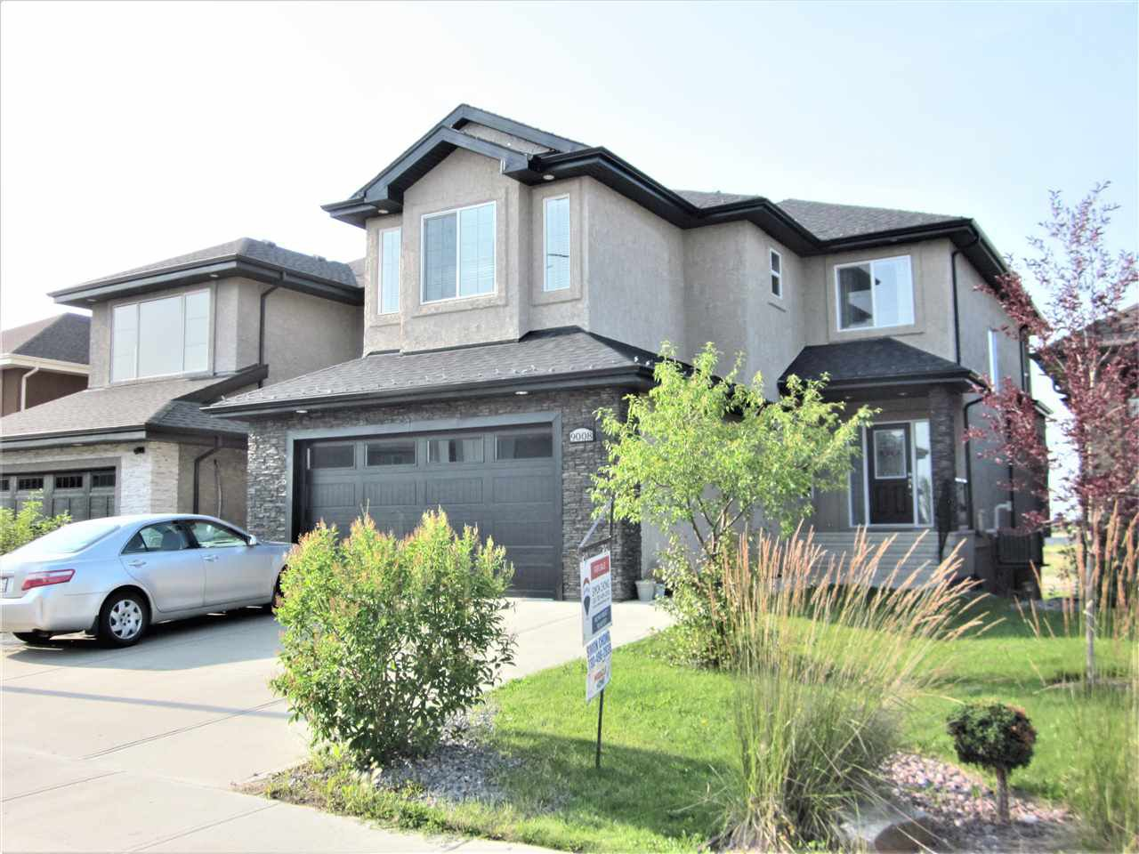 Main Photo: 9008 181 Avenue in Edmonton: Zone 28 House for sale : MLS®# E4167395