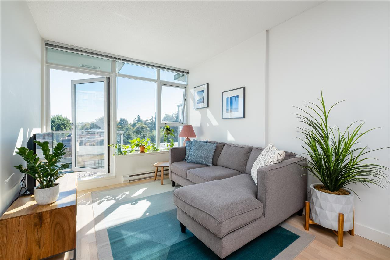 "Main Photo: 613 251 E 7TH Avenue in Vancouver: Mount Pleasant VE Condo for sale in ""DISTRICT"" (Vancouver East)  : MLS®# R2498216"