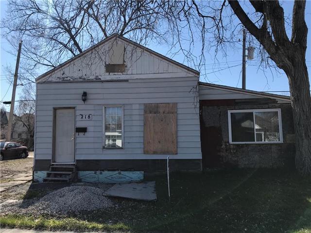 Main Photo: 218 Brooklyn Street in Winnipeg: St James Residential for sale (5E)  : MLS®# 202017605