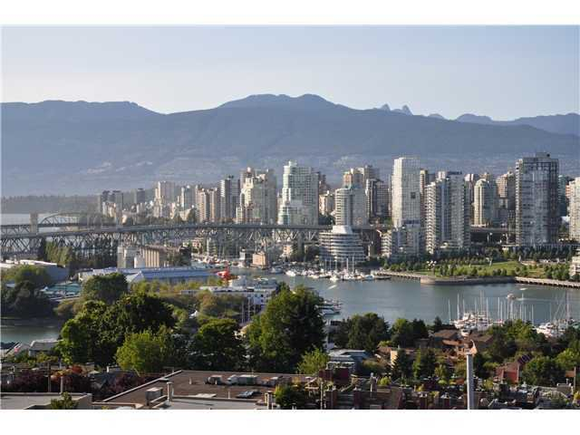 "Main Photo: 808 1068 W BROADWAY in Vancouver: Fairview VW Condo for sale in ""THE ZONE"" (Vancouver West)  : MLS®# V852760"