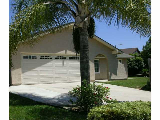 Main Photo: SOUTHWEST ESCONDIDO Residential for sale : 4 bedrooms : 1730 Berney Place in Escondido