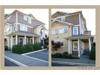Main Photo: 102 842 Brock Ave in VICTORIA: La Langford Proper Row/Townhouse for sale (Langford)  : MLS®# 482992