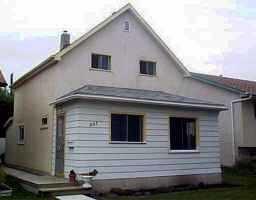 Main Photo: 557 DENISET Street in WINNIPEG: St Boniface Single Family Detached for sale (South East Winnipeg)  : MLS®# 9913626