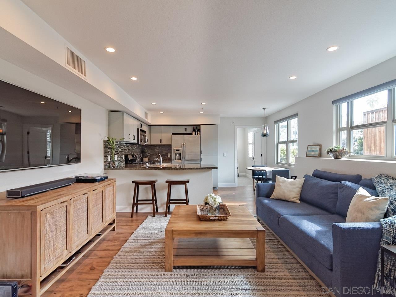 Main Photo: ENCINITAS Condo for sale : 2 bedrooms : 687 S Coast Highway 101 #208