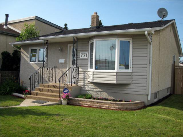 Main Photo: 771 NAIRN Avenue in WINNIPEG: East Kildonan Residential for sale (North East Winnipeg)  : MLS®# 1012497
