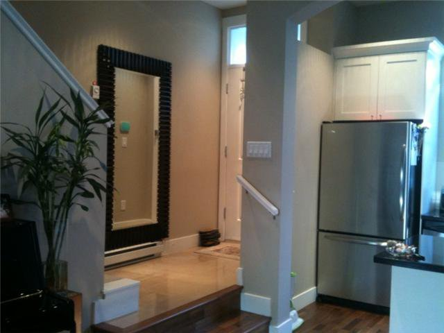 """Photo 2: Photos: 751 W 42ND Avenue in Vancouver: Oakridge VW Townhouse for sale in """"TOWNE 2"""" (Vancouver West)  : MLS®# V852503"""