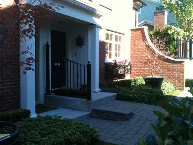 """Photo 4: Photos: 751 W 42ND Avenue in Vancouver: Oakridge VW Townhouse for sale in """"TOWNE 2"""" (Vancouver West)  : MLS®# V852503"""