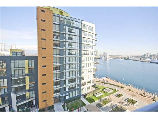 "Main Photo: 806 8 SMITHE MEWS in Vancouver: False Creek North Condo for sale in ""FLAGSHIP"" (Vancouver West)  : MLS®# V854832"
