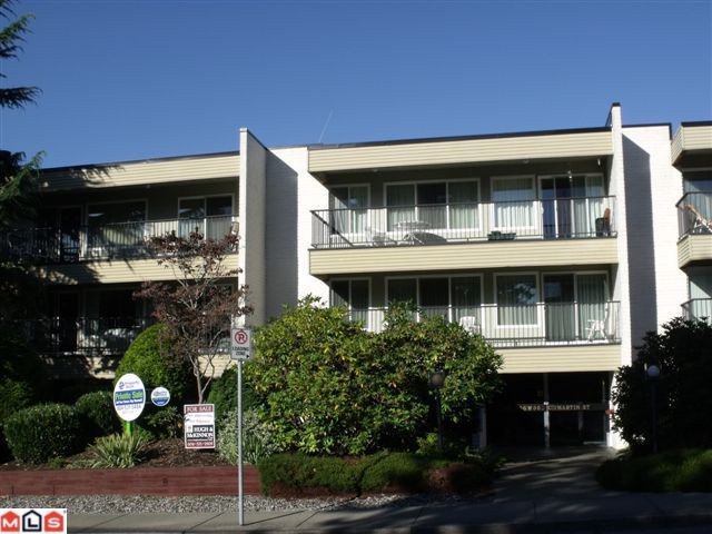 "Main Photo: 206 1351 MARTIN Street: White Rock Condo for sale in ""DOGWOOD"" (South Surrey White Rock)  : MLS®# F1102230"