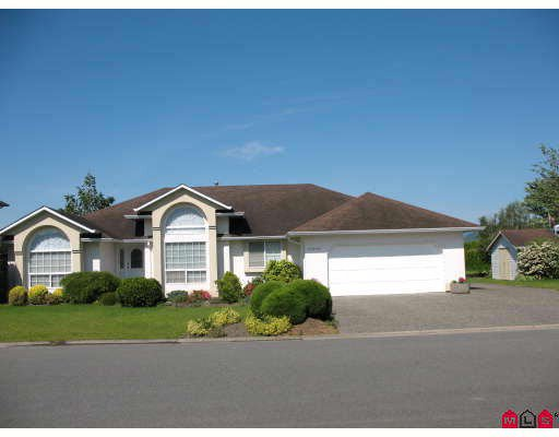 Main Photo: 46330 JOHN Place in Sardis: Sardis East Vedder Rd House for sale : MLS®# H2902212
