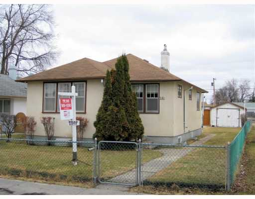 Main Photo: 281 BURRIN Avenue in WINNIPEG: West Kildonan / Garden City Residential for sale (North West Winnipeg)  : MLS®# 2904707
