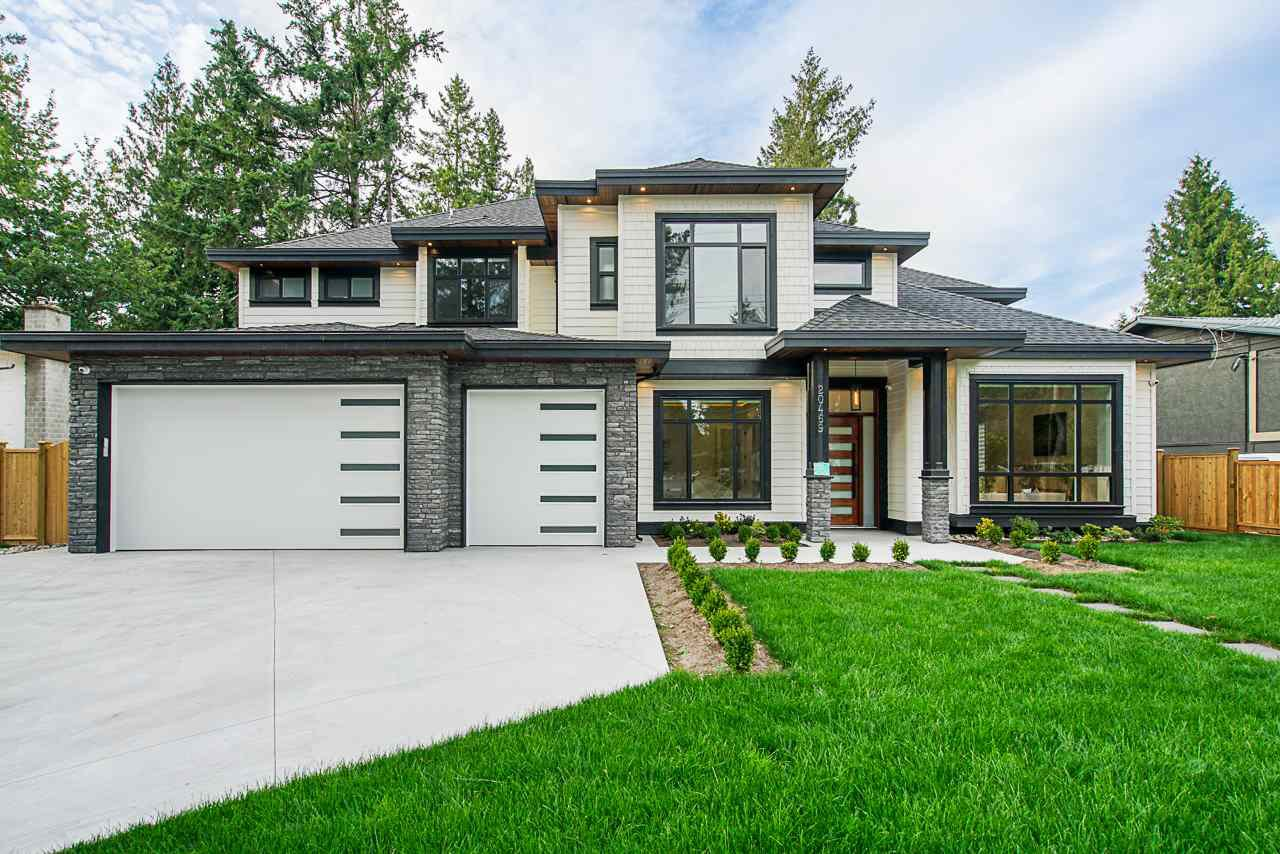 Main Photo: 20469 42 Avenue in Langley: Brookswood Langley House for sale : MLS®# R2400772