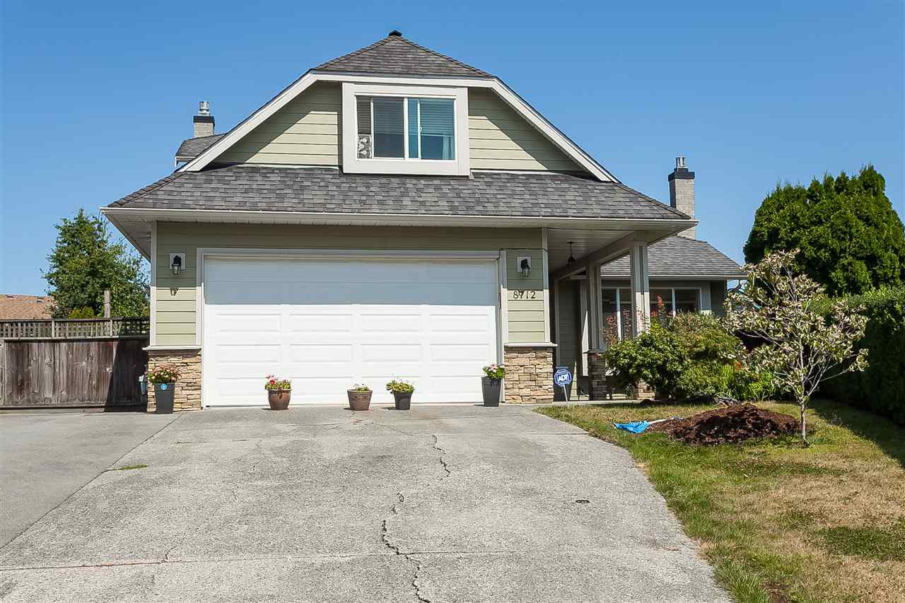 """Main Photo: 8712 147A Street in Surrey: Bear Creek Green Timbers House for sale in """"GRREN TIMBERS"""" : MLS®# R2414122"""