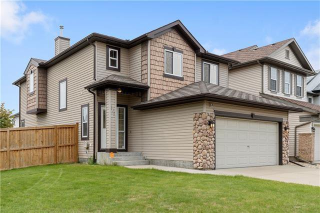 Main Photo: 168 EVERWOODS Close SW in Calgary: Evergreen Detached for sale : MLS®# C4302532