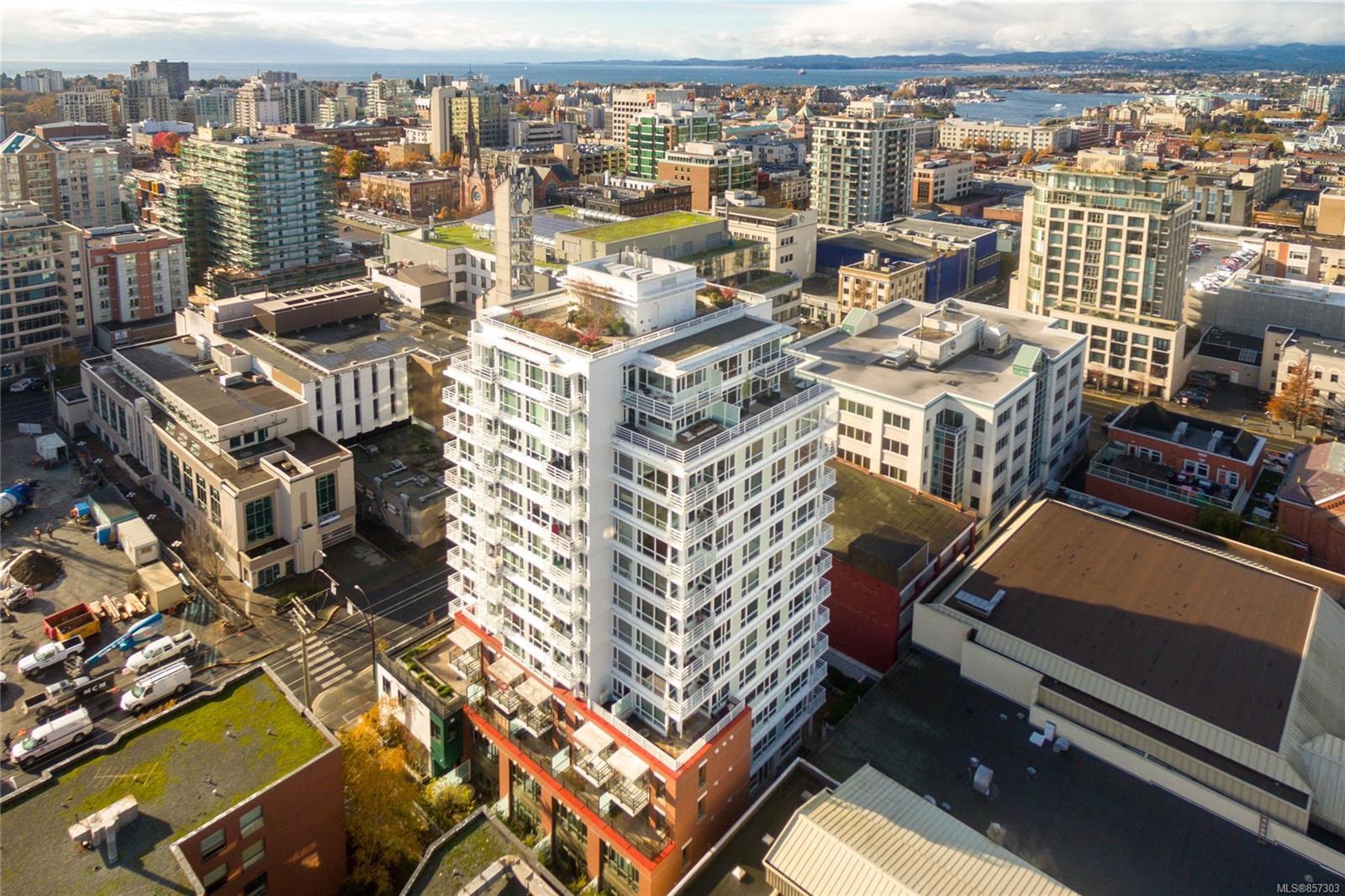Main Photo: 505 834 Johnson St in : Vi Downtown Condo for sale (Victoria)  : MLS®# 857303
