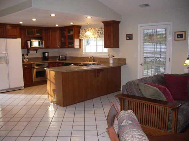 Photo 5: Photos: NORTH ESCONDIDO Residential for sale : 3 bedrooms : 702 Sheridan in Escondido