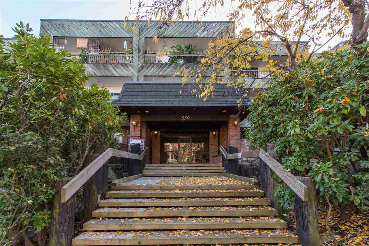 "Main Photo: 107 550 E 6TH Avenue in Vancouver: Mount Pleasant VE Condo for sale in ""Landmark Gardens"" (Vancouver East)  : MLS®# R2418680"