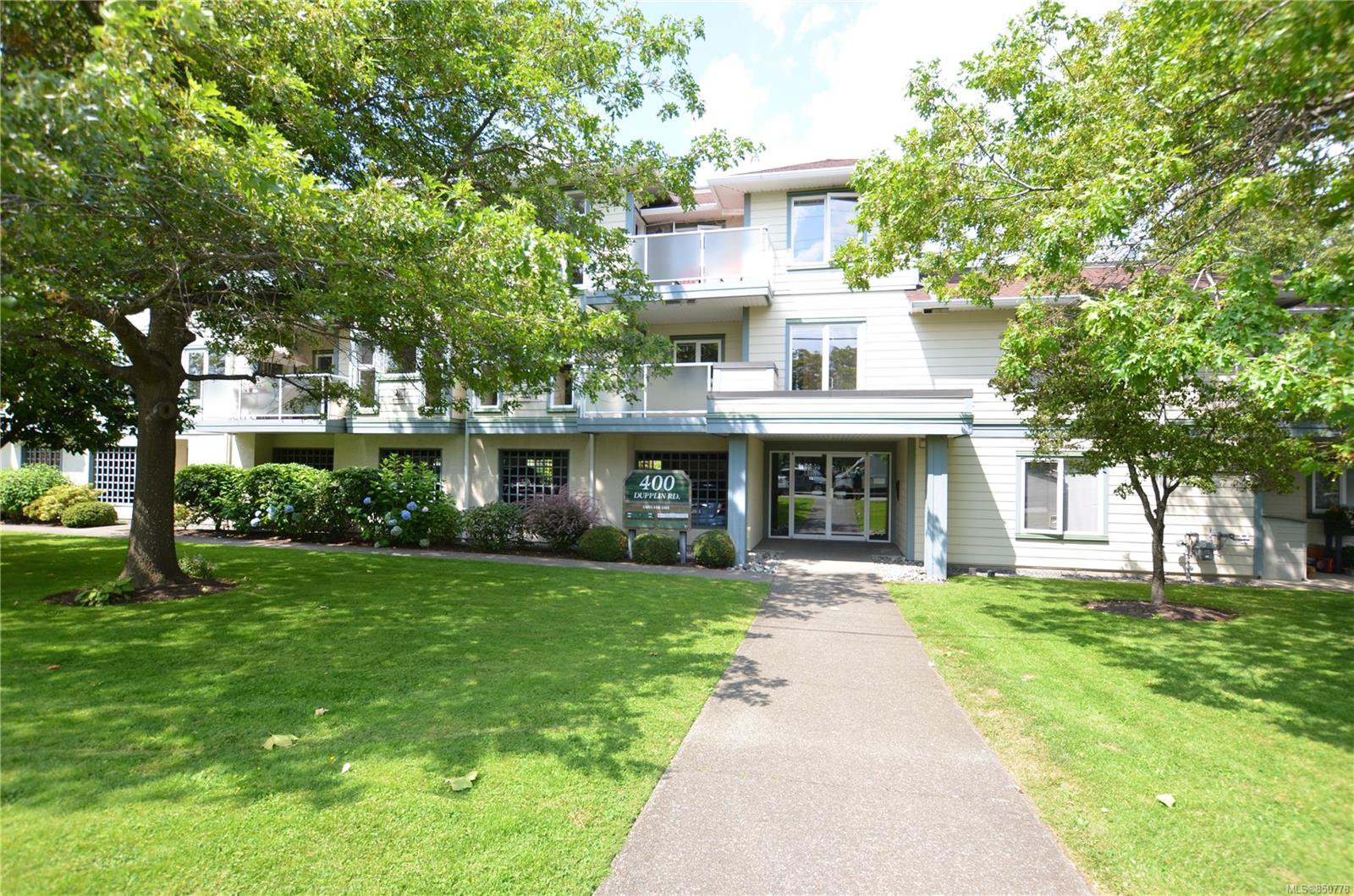 Main Photo: 211 400 Dupplin Rd in : SW Rudd Park Condo for sale (Saanich West)  : MLS®# 850778
