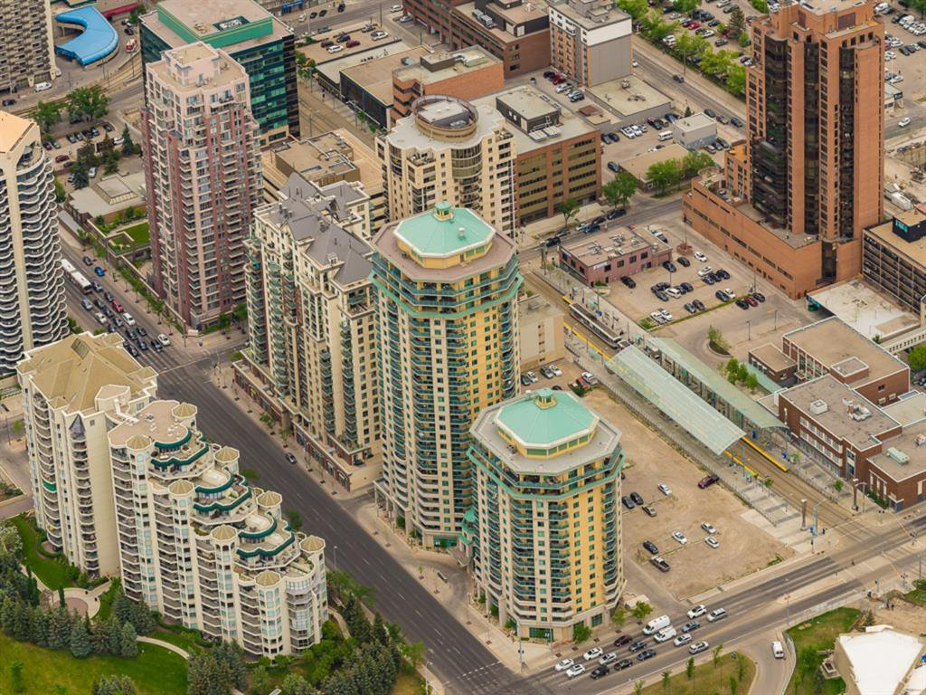 Main Photo: 1407 1121 6 Avenue SW in Calgary: Downtown West End Apartment for sale : MLS®# A1036008