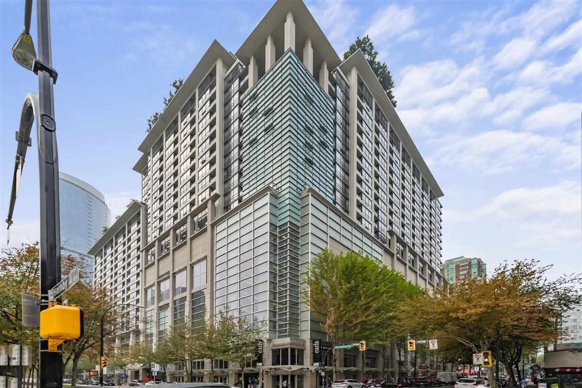Main Photo: 1824 938 SMITHE Street in Vancouver: Downtown VW Condo for sale (Vancouver West)  : MLS®# R2517862