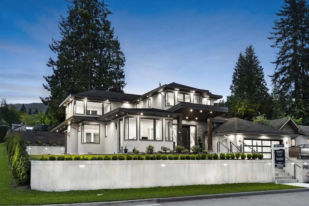 Main Photo: 998 MELBOURNE Avenue in North Vancouver: Edgemont House for sale : MLS®# R2399526