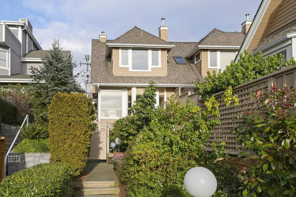 Main Photo: 1 220 E KEITH Road in North Vancouver: Central Lonsdale Townhouse for sale : MLS®# R2439322