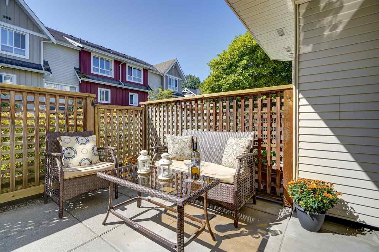 Main Photo: 105 1668 GRANT Avenue in Port Coquitlam: Glenwood PQ Condo for sale : MLS®# R2487243