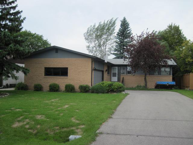 Main Photo: 768 MUNICIPAL Road in WINNIPEG: Charleswood Residential for sale (South Winnipeg)  : MLS®# 1017027