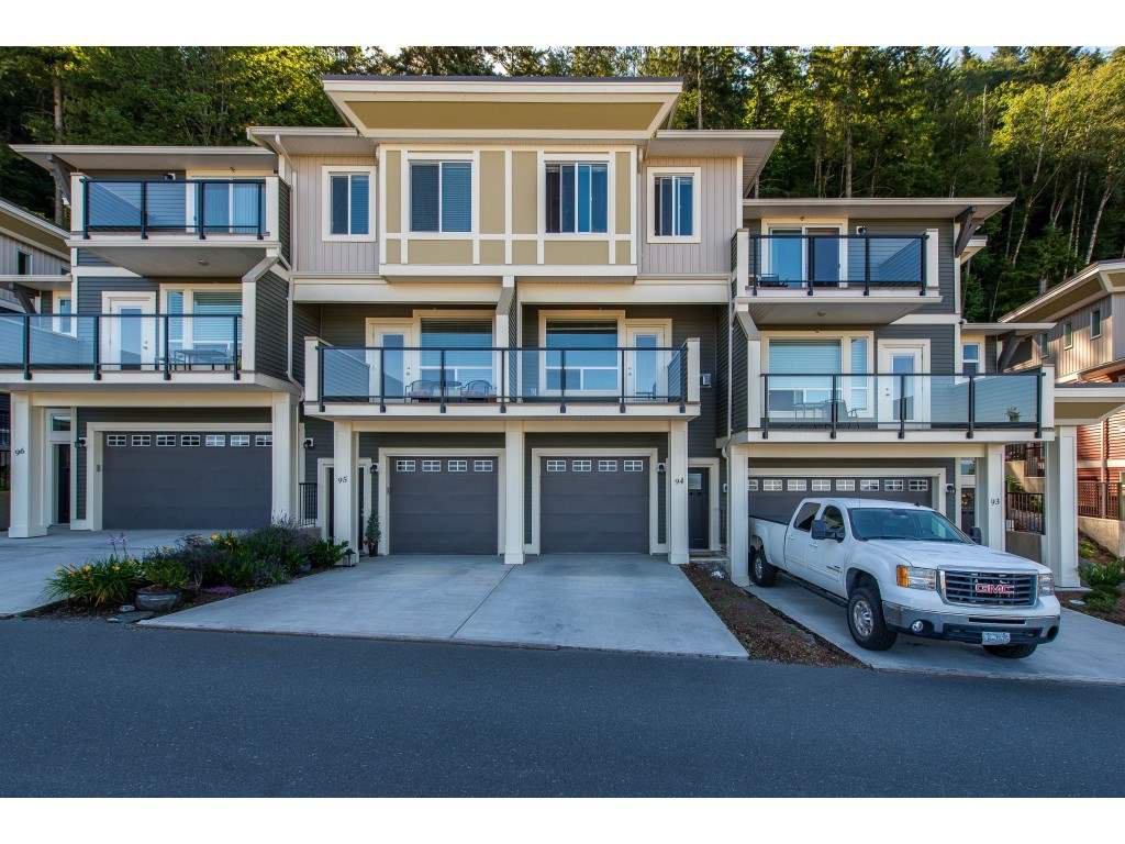"Main Photo: 94 6026 LINDEMAN Street in Chilliwack: Promontory Townhouse for sale in ""HILLCREST"" (Sardis)  : MLS®# R2393001"