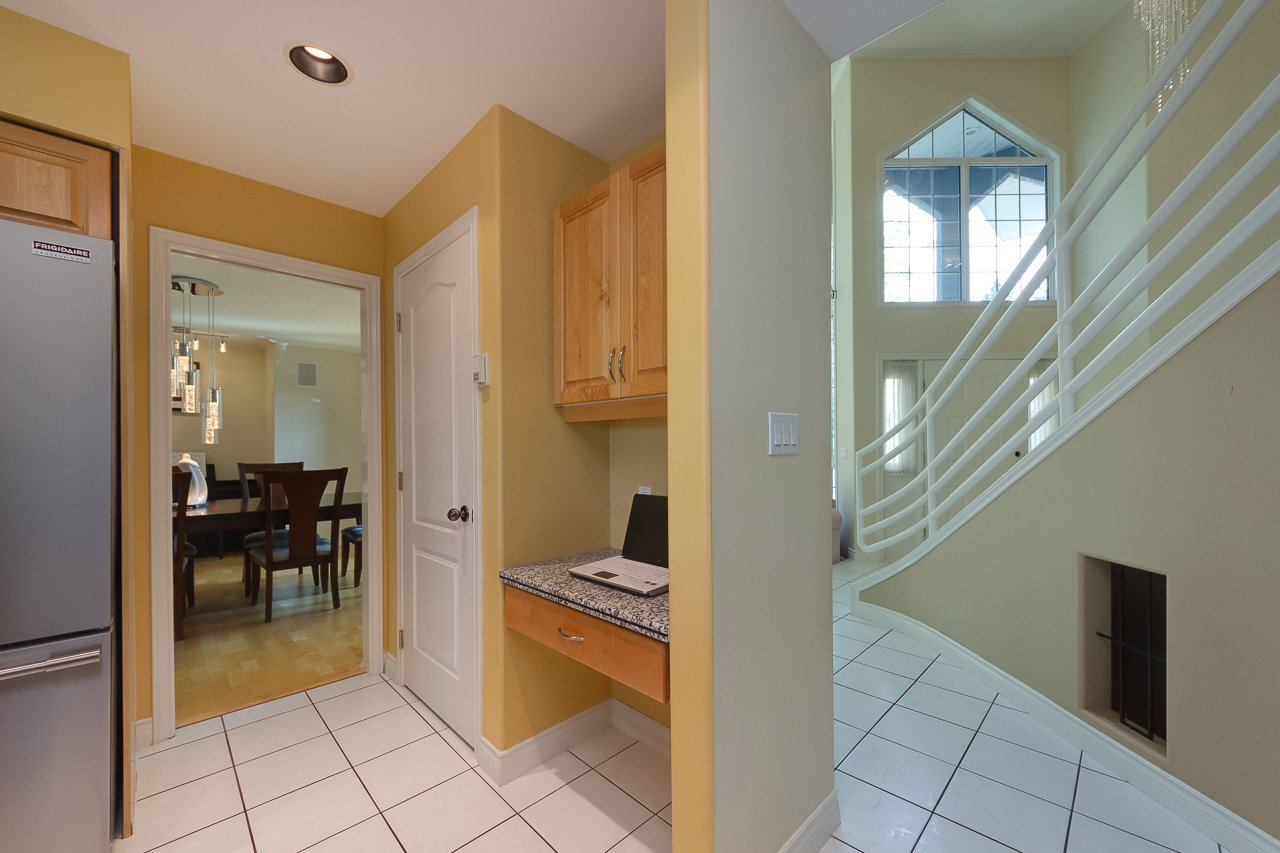 Photo 13: Photos: 116 weaver Drive in Edmonton: Wedgewood House for sale