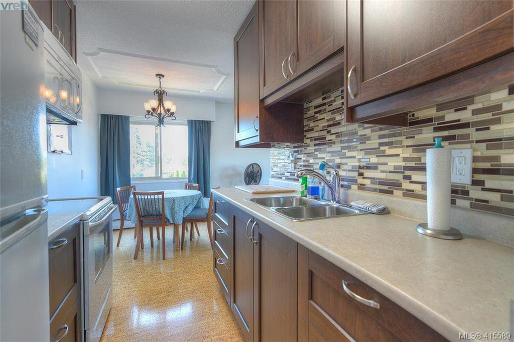 Main Photo: 129 1680 Poplar Avenue in VICTORIA: SE Mt Tolmie Condo Apartment for sale (Saanich East)  : MLS®# 415589