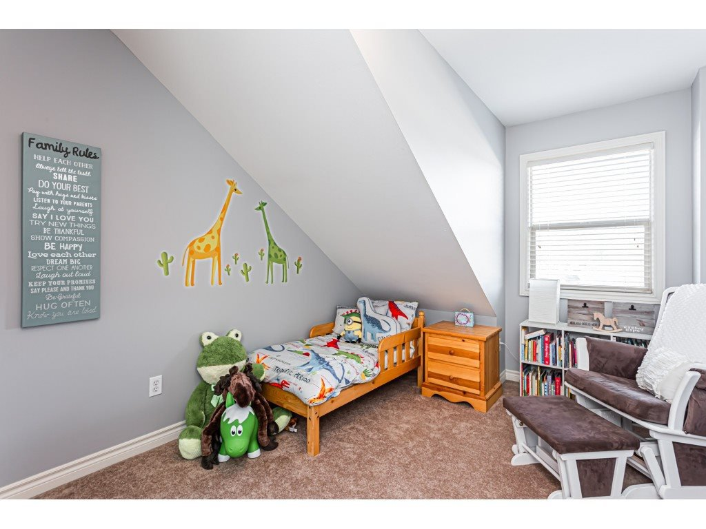 """Photo 15: Photos: 5 46151 AIRPORT Road in Chilliwack: Chilliwack E Young-Yale Townhouse for sale in """"AVION"""" : MLS®# R2423749"""