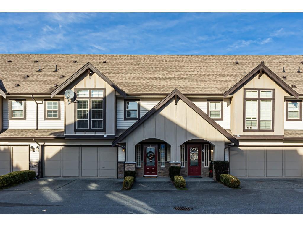 "Main Photo: 5 46151 AIRPORT Road in Chilliwack: Chilliwack E Young-Yale Townhouse for sale in ""AVION"" : MLS®# R2423749"